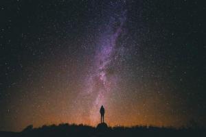 Silhouette dans l univers